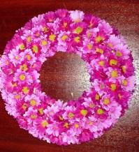 Daisy Wreath Purple 25cm