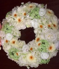 Floral Wreath White - Cream 35cm